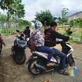 Bawa Istri Orang Nginap di Pos Kamling dan Bangun Kesiangan, Pasangan Ini Dibawa ke Kantor Desa