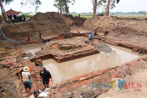 Penampakan situs petirtaan era Majapahit di Sendang Sumberbeji, Desa Kesamben, Kecamatan Ngoro, Jombang. (Foto : Adi Rosul / JombangTIMES)