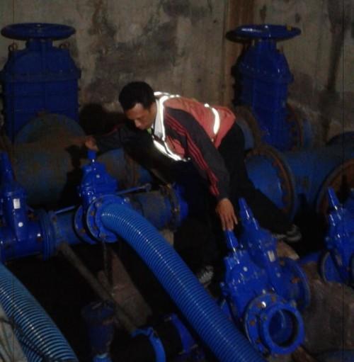 Perbaikan pipa bocor yang masih terus dilakukan PDAM Kota Malang. (Source: twitter @pdammalangkota)