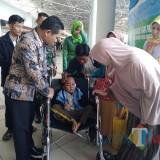 Menyambut Aditya di Bandara, Ini Kata Bupati Lumajang Terkait Warga Lumajang di Wamena