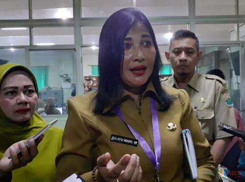 Kepala Disbudpar Kota Malang, Ida Ayu Made Wahyuni (tengah) (Arifina Cahyanti Firdausi/MalangTIMES)