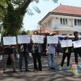 Demo Lagi, Massa Minta Presiden Terbitkan Perppu KPK