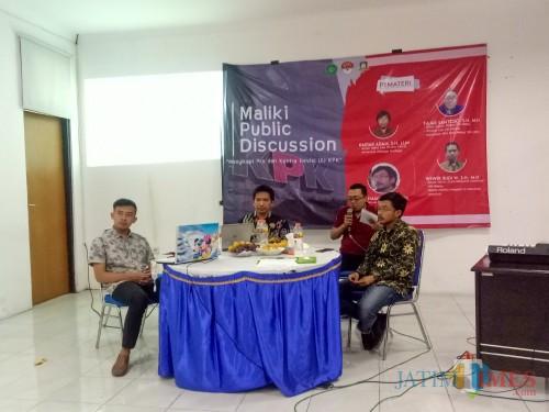 """Maliki Public Discussion """"Menyikapi Pro dan Kontra Revisi UU KPK"""". (Foto: Imarotul Izzah/MalangTIMES)"""