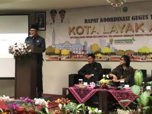 Wali Kota Malang Sofyan Edi Jarwoko (berdiri di podium) saat memberi sambutan pada kegiatan Optimalisasi Peningkatan Status Kota Layak Anak (Humas Pemkot Malang for MalangTIMES).