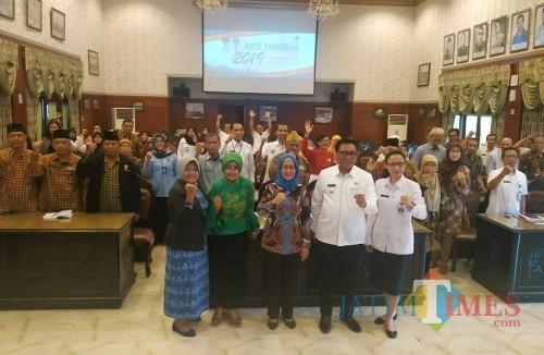 Suasana audiensi Forum Koordinasi KOMDA Lansia melakukan audiensi di Balaikota Malang, Rabu (16/10) (Arifina Cahyanti Firdausi/MalangTIMES)