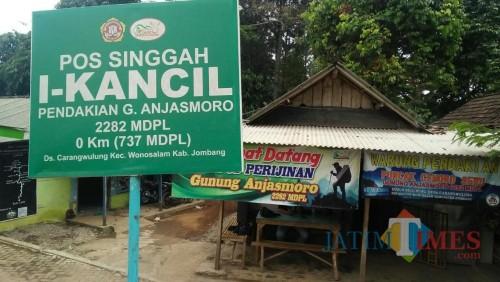 Pos perijinan Gunung Anjasmoro Jombang. (Foto : Adi Rosul / JombangTIMES)