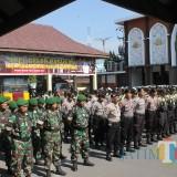 Di Jember Pasukan Gabungan Gelar Apel, Kedepankan Polwan-Tim Asmaul Husna Hadapi Demo