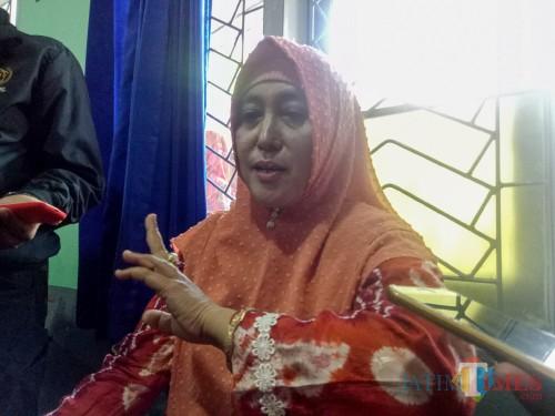 Motivator Penampar di SMK Muhammadiyah 2 Malang Minta Maaf Hingga Menciumi Tangan Siswa