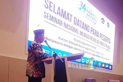Bibit Prayogo selaku Ketua MGBK Kanwil Kemenag Provinsi Jawa Timur . (Foto: Bambang Setioko/JatimTIMES)