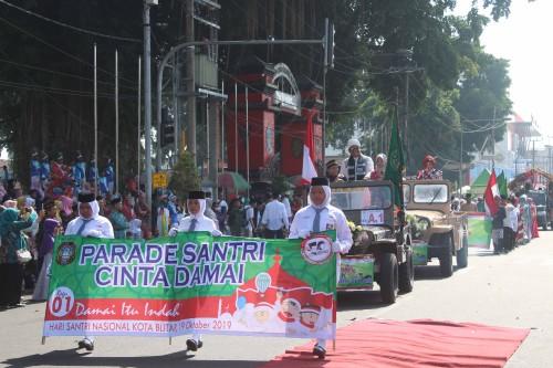 Ribuan Santri di Kota Blitar Meriahkan Parade Santri Cinta Damai