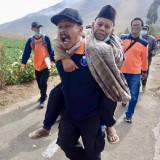 Warga Diungsikan, 8 Pohon Tumbang, 16 Rumah Rusak Akibat Angin Kencang di Sumber Brantas