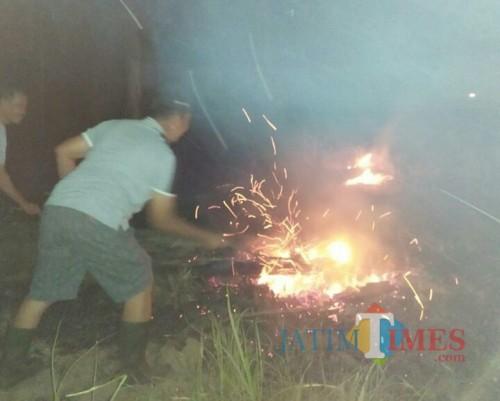 Foto Muhlis / Jatim Times/kebakaran hutan