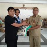 Manajemen Arema FC Serahkan Bantuan untuk Korban Bencana di Batu