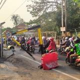 Portal Jembatan Muharto Diterjang Kendaraan Lagi, Warganet Geram