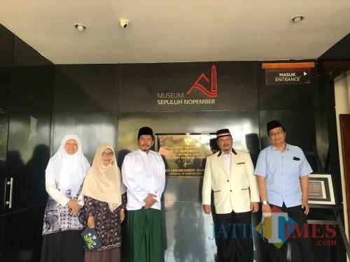 Fraksi PKS Surabaya ketika berkunjung ke Museum 10 November.