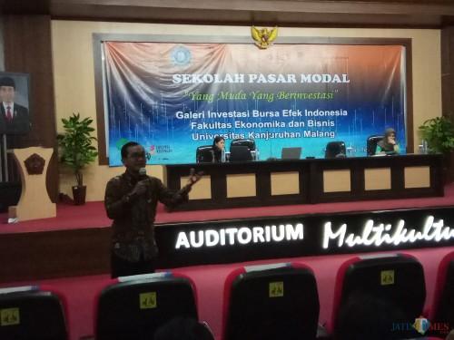Suasana saat seminar Pasar Modal di Aula Auditorium Unikama (Anggara Sudiongko/MalangTIMES)