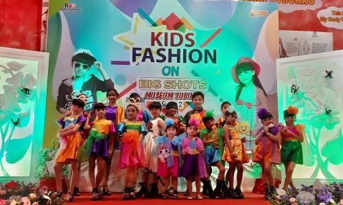 Beberapa peserta saat berpose diajang pencarian bakat Kids Big Shots Museum Tubuh season 2 tahun 2019di hall entrance Museum Tubuh,Minggu (27/10/2019).