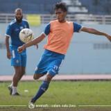 Muda dan Berbahaya, Jayus Hariono Menjadi Pemain Yang Bisa Diandalkan