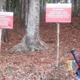 Indolakto Tarik Limbah yang Dibuang di Lahan Perhutani