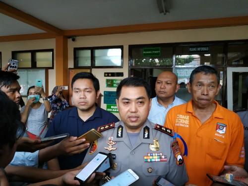 Kapolres Malang Kota AKBP Dony Alexander sesaat usai menerima hasil otopsi Agnes Arnelita. (Hendra Saputra)
