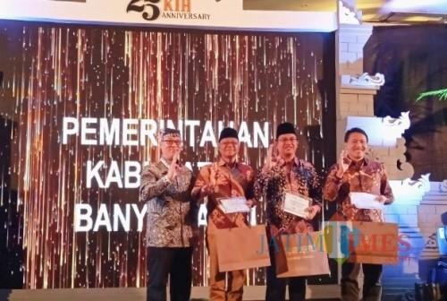 Ultah Ke-25, Ketapang Indah Hotel Anugerahkan 'Glory of Banyuwangi Award' kepada Pegiat Lingkungan