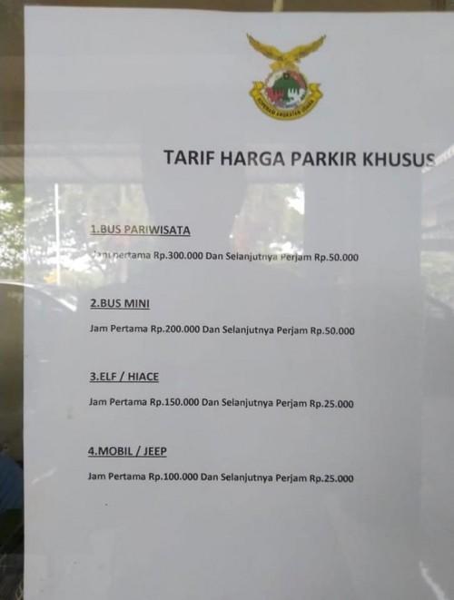 Tarif parkir di Bandara Abdulrachman Saleh yang sempat viral di media sosial (Foto : Istimewa)
