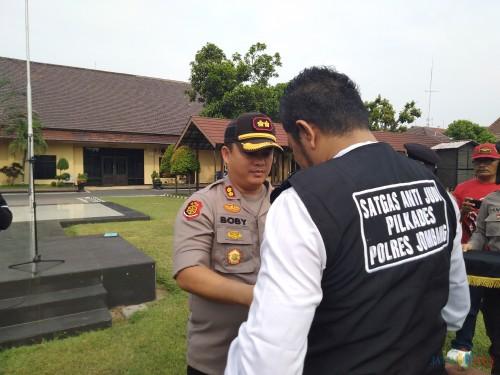 Ribuan Personel Polri dan Satgas Anti Judi Dikerahkan untuk Pengamanan Pilkades di Jombang