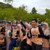 Bank Indonesia Bersama Genbi Tanam Bibit Mangrove dan Bersihkan Pantai Clungup