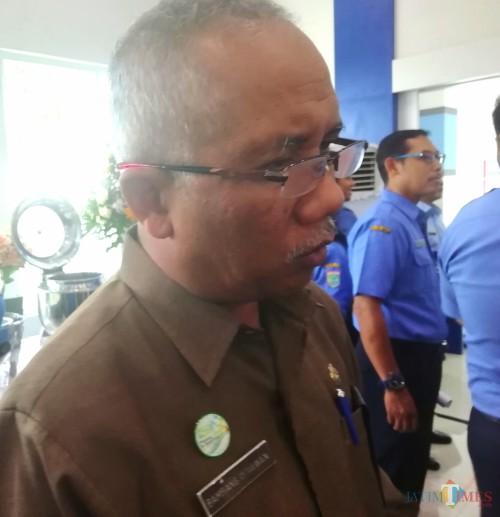 Kepala BPBD Kabupaten Malang Bambang Istiawan mengimbau warga waspada hadapi musim hujan. (Nana)