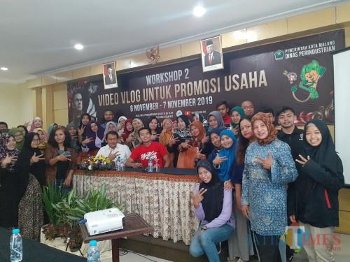 Workshop Vlog dalam rangkaian Festival Mbois 4 Dinas Perindustrian Kota Malang, Rabu (6/11) (Arifina Cahyanti Firdausi/MalangTIMES)