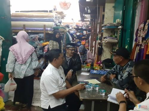 Suasana sidak Komisi B DPRD Kota Malang ke Pasar Besar, Rabu (6/11) (Arifina Cahyanti Firdausi/MalangTIMES)