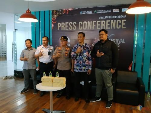 Konferensi pers Festival Mbois 4 di Digital Lounge (Dilo) Kayutangan, Kota Malang (Hendra Saputra)