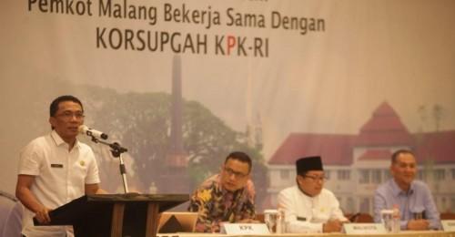 Ade Herawanto, Kepala BP2D Kota Malang (paling kiri), saat dalam kegiatan bersama Korsupgah KPK (ist)