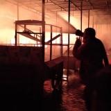 Api Bakar Pasar Ngunut, Bupati Janji Bantu Kios Sementara