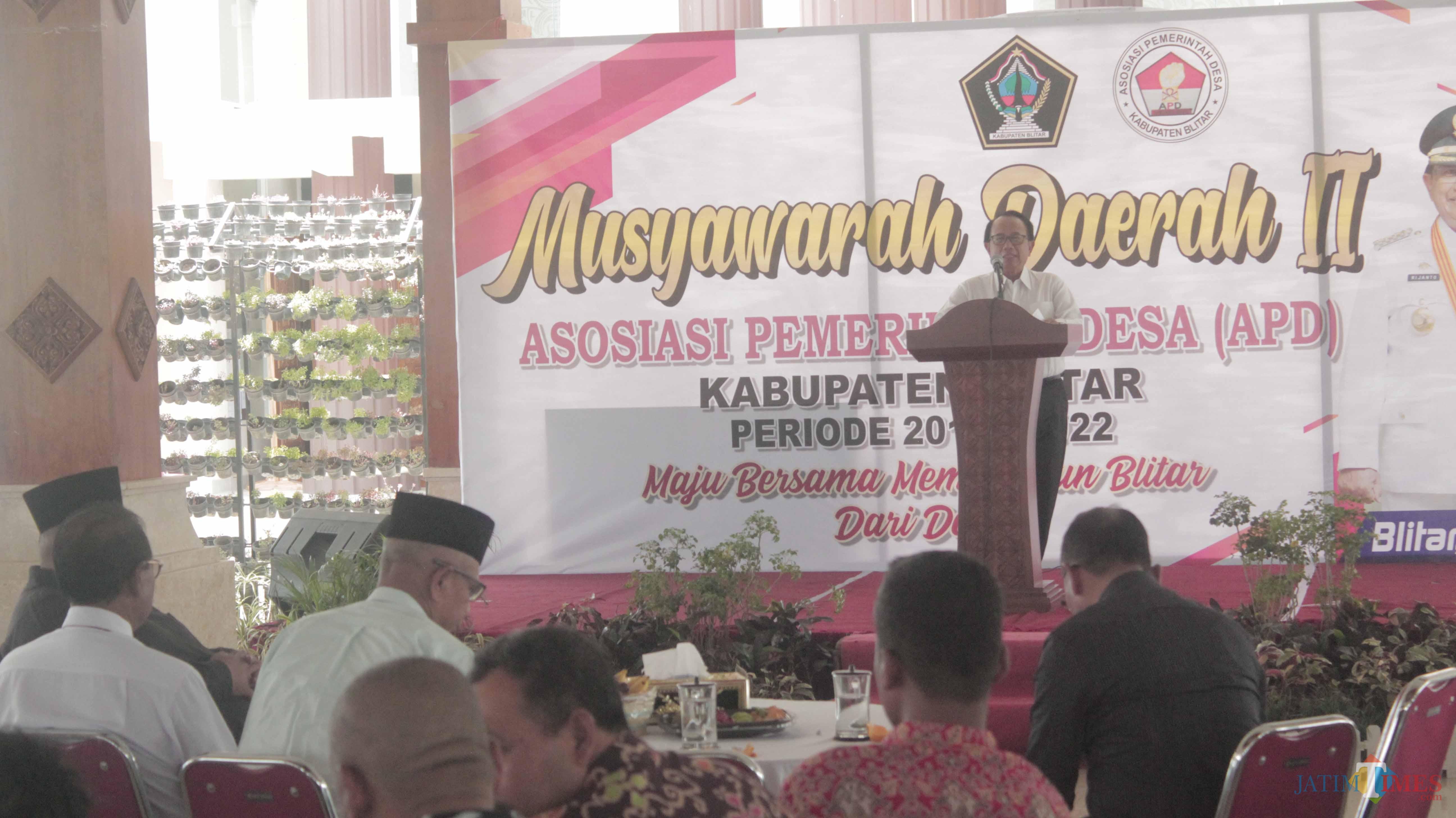 Bupati Blitar membuka Musda APD ke II (Foto: Aunur Rofiq/BlitarTIMES)