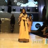 Pukau Penonton, Disperin Tampilkan Karya Fashion Ivan Gunawan di Gelaran Pamungkas Malang Fashion Week
