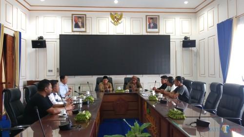 Audiensi kru film Yowes Ben dengan Wali Kota Malang Sutiaji di ruang rapat Wali Kota Malang (Pipit Anggraeni/MalangTIMES).