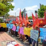 Soroti Dugaan Korupsi Pengadaan Barang dan Jasa Pemkot Blitar, KRPK Demo DPRD