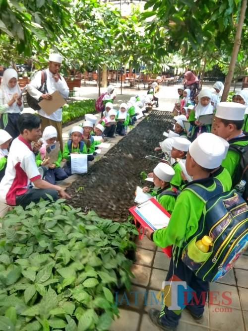 Konsep Belajar di Luar Kelas, Kuatkan Pendidikan Karakter Siswa