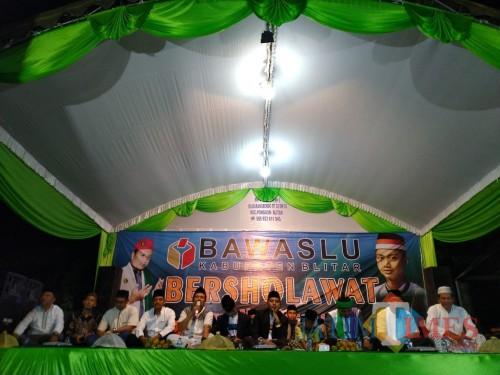 Bawaslu Bersholawat yang digelar di Desa Karangbendo