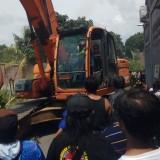 Eksekusi Tanah Ricuh, Warga Lakukan Perlawanan