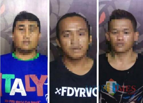Tiga tersangka yang berhasil diamankan polisi (Foto : Moch. R. Abdul Fatah / Jatim TIMES)