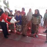 Komunitas Jurnalis Surabaya Bareng 32 Komunitas Gelar Baksos di Rusunawa