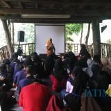 Isi Liburan Akhir Pekan, Siswa-Siswi SMA/SMK di Malang Belajar Menulis di Alam