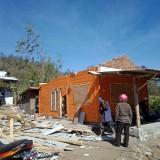Angin Kencang di Kecamatan Bumiaji Kian Parah, Tim Gabungan Siapkan Tempat Pengungsian