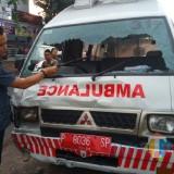 Adu Banteng Ambulans Vs 4 Sepeda Motor,  10 Luka - Luka