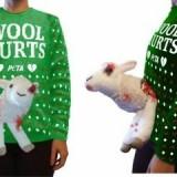 Sweater Sambut Natal Ada Domba Berdarahnya, Ternyata Ini Misinya