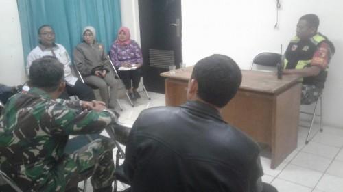 UPT Rusunawa saat melakukan briefing sebelum pentertiban bersama unsur terkait (UPT Rusunawa)