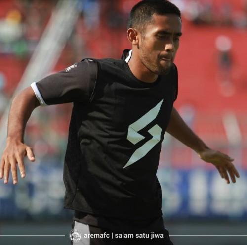 Bek sayap muda Arema FC, Agil Munawar (official Arema FC)