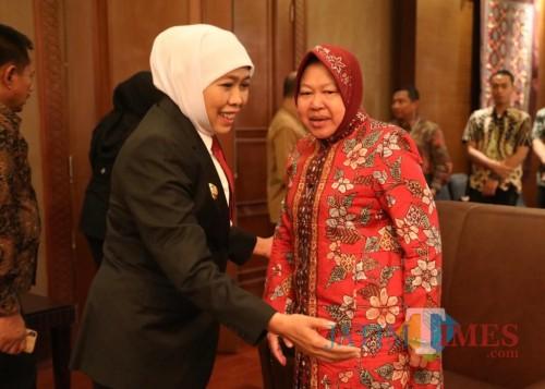 Gubernur Jatim Khofifah bersama Wali Kota Risma